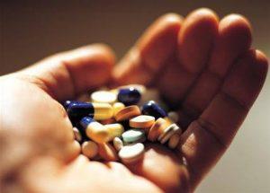 Không tự ý mua thuốc điều trị viêm mào tinh hoàn
