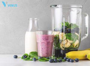 Sinh tố protein bao gồm 2 thành phần chính là bột protein và rau củ quả