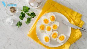 Trứng là một trong những loại thực phẩm rất giàu protein nhưng và ít calo