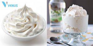 Sữa chua Hy Lạp có kết cấu đặc hơn do chứa nhiều kem hơn